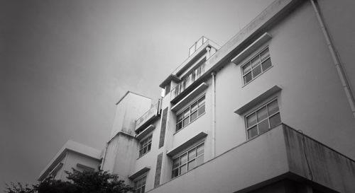 NHKドラマ「やけに弁の立つ弁護士が学校でほえる(やけ弁)」神木隆之介がスクールロイヤー